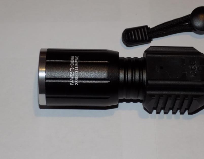Ручной фонарь тактический FA-W528 T6