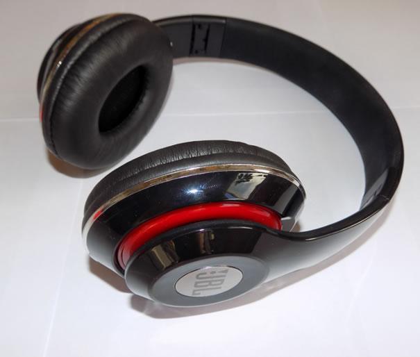 Полноразмерные беспроводные Bluetooth наушники JBL S-680
