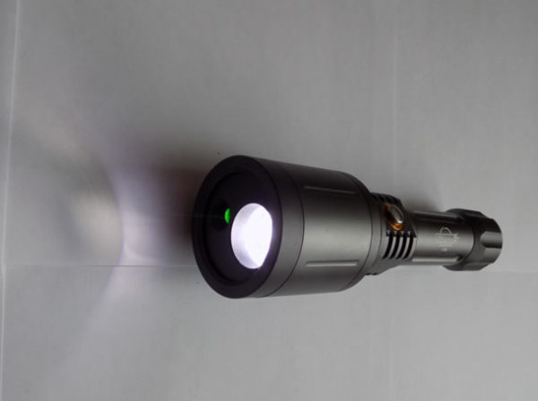 Мощный светодиодный фонарик с лазернойуказкой Огонь H-296