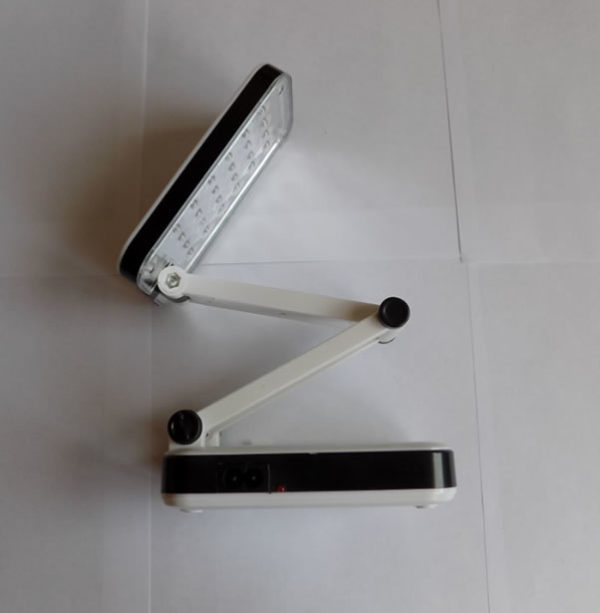 Настольная светодиодная лампа LH-666 на аккумуляторе